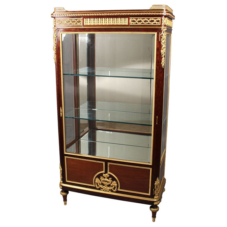 Great Quality Gilt Bronze-Mounted Vitrine by François Linke For Sale