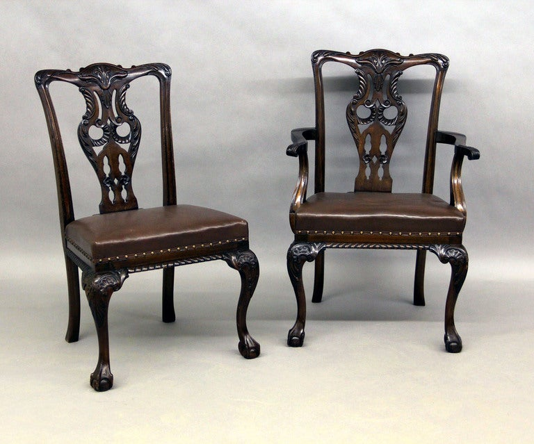 Large and Fantastic Set of 18 Antique Chippendale Dining Room Chairs In Excellent Condition For Sale In New York, NY