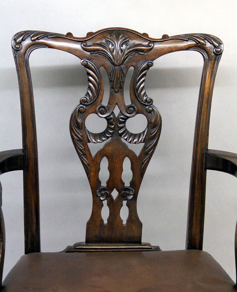 19th Century Large and Fantastic Set of 18 Antique Chippendale Dining Room Chairs For Sale