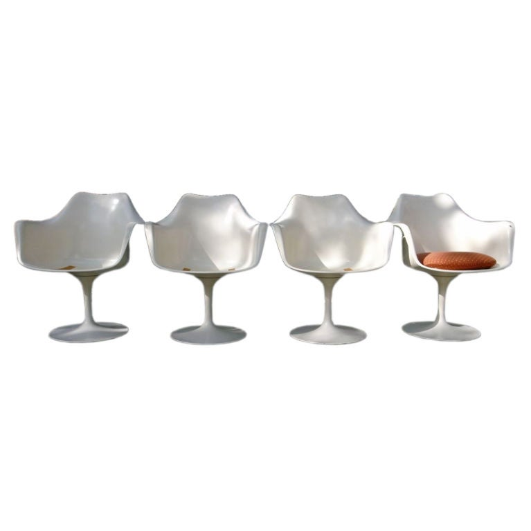 4 Eero Saarinen Tulip Armchairs for Knoll International at 1stdibs