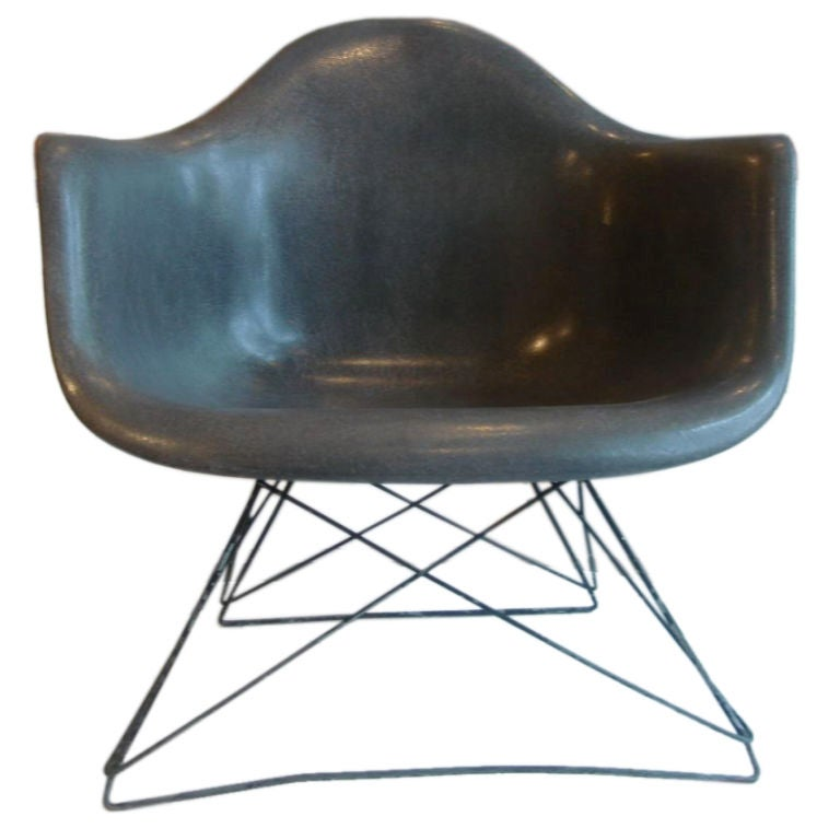 Eames LAR Lounge Chair with Cats Cradle base Herman