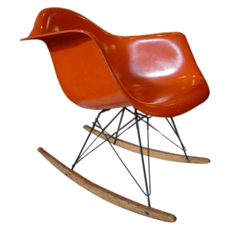 original charles eames rocking chair herman miller 1960 at 1stdibs. Black Bedroom Furniture Sets. Home Design Ideas