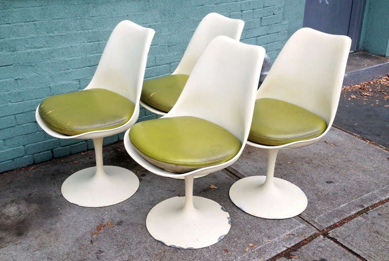 Set of 4 Saarinen Tulip Side Chairs (Swivel) for Knoll International, 1955 at...