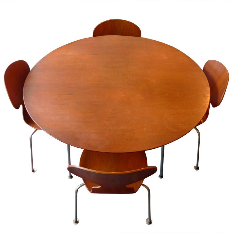 early arne jacobsen ant chair dining set fritz hansen 1950 at 1stdibs. Black Bedroom Furniture Sets. Home Design Ideas