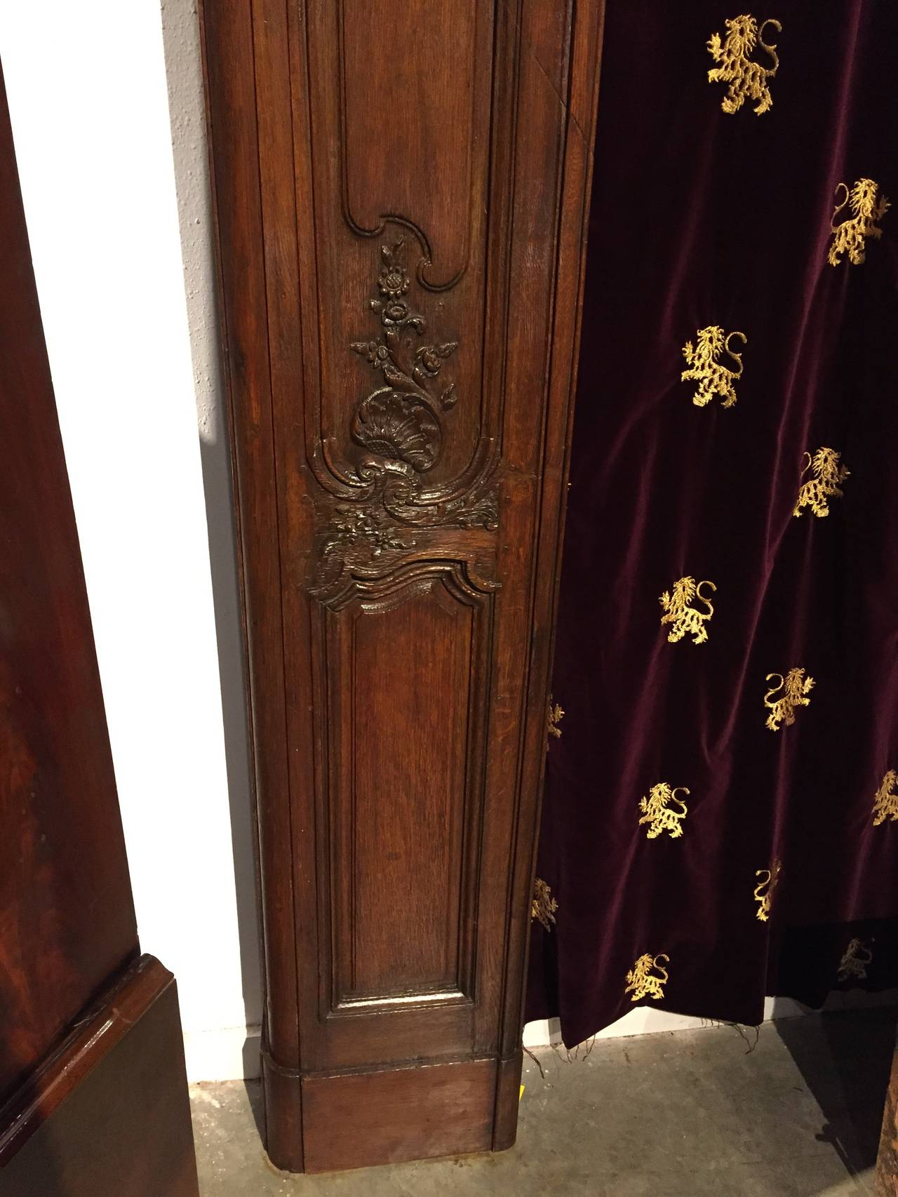 Antique French Boiserie Door Surround from the 1700s In Good Condition For Sale In Dallas, TX