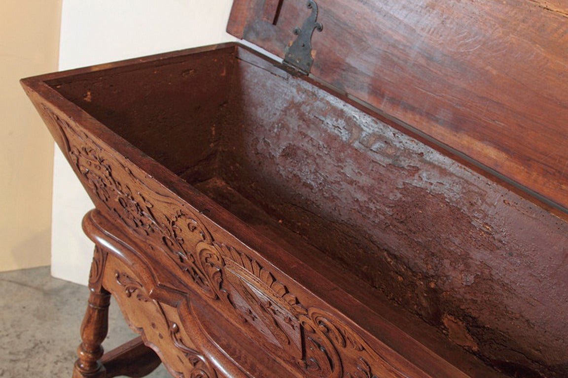 19th Century Walnut Wood Petrin from France For Sale 5