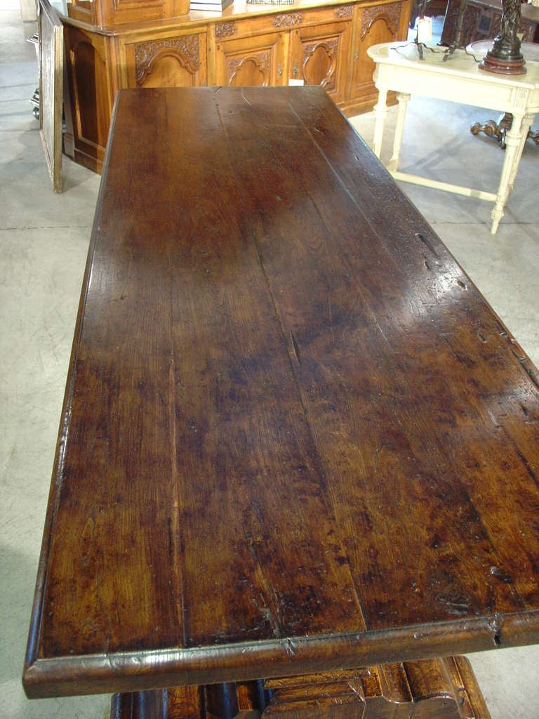 Italian Renaissance Style Oak Trestle Table In Good Condition For Sale In Dallas, TX