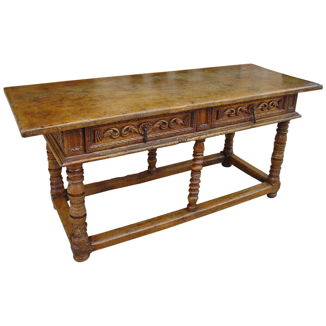 Antique spanish walnut wood table from the 1600 s at 1stdibs for Table in spanish