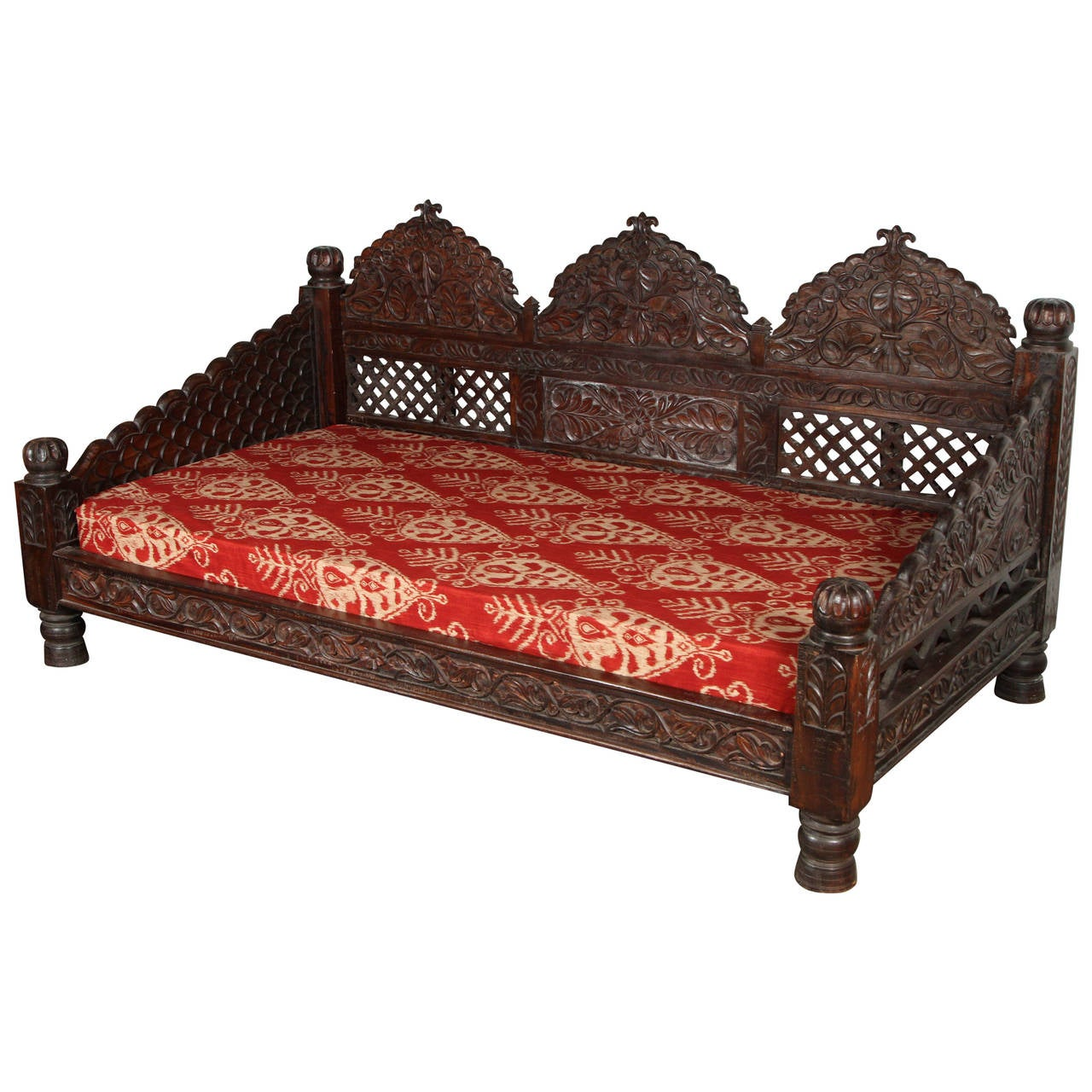 Anglo raj indian daybed for Furniture in hindi