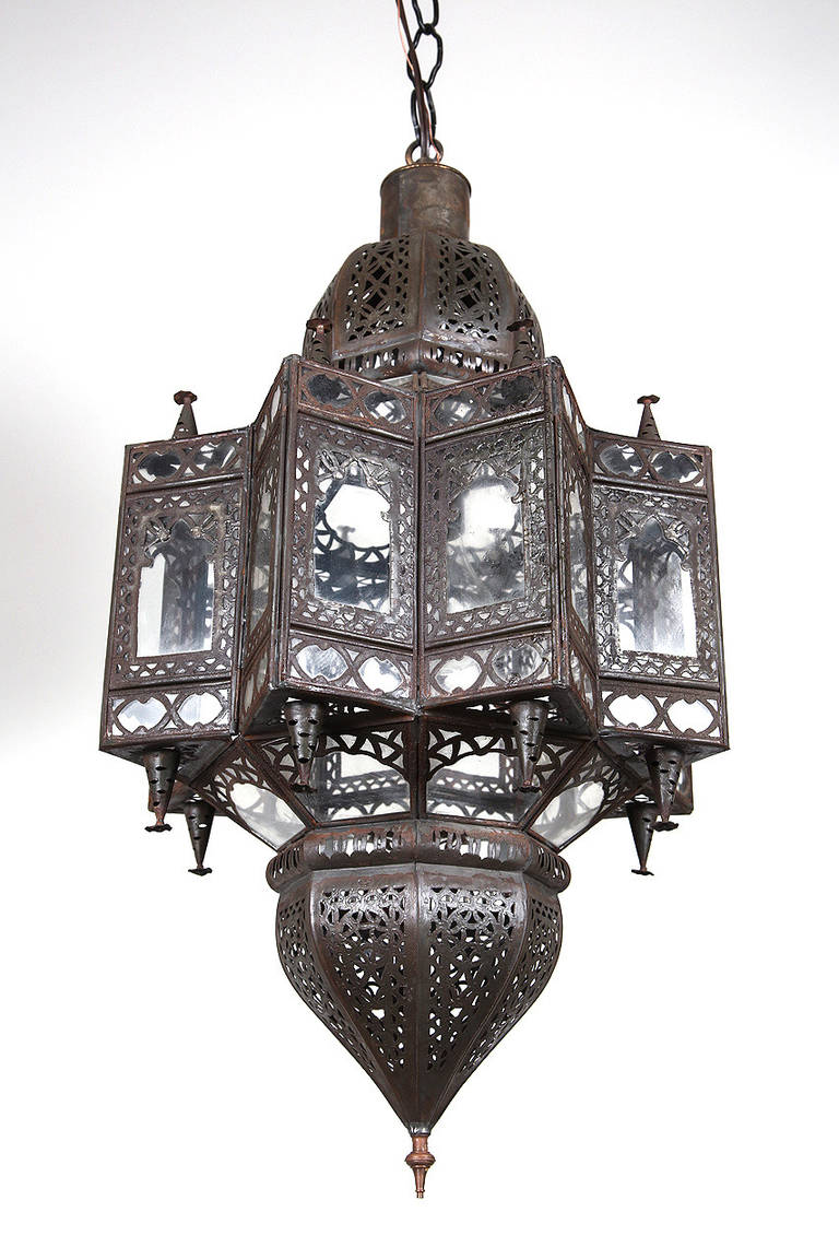Large Moroccan Star Shaped Light Pendant For Sale at 1stdibs
