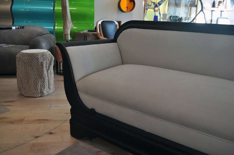 1920 S American Empire Style Sofa For