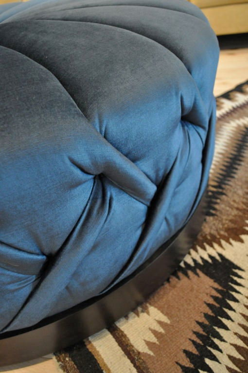 Elke Ottoman by Jorge L. Cruzata for Siglo Moderno In Excellent Condition For Sale In Los Angeles, CA