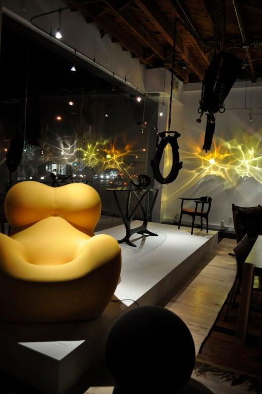 Happy Kiss Pendant Light For Sale 3