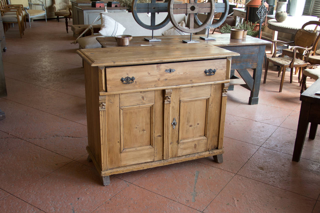 Antique English Pine Cupboard 2 - Antique English Pine Cupboard At 1stdibs