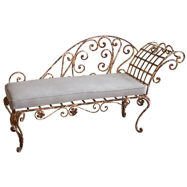 Antique english chaise at 1stdibs for Chaise longue in english