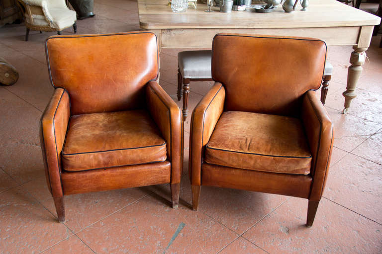 Mid-Century Modern Pair of Vintage French Leather Chairs For Sale - Pair Of Vintage French Leather Chairs At 1stdibs