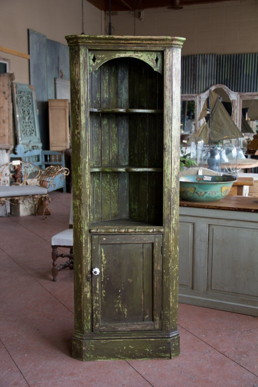 Antique English Country Corner Cupboard At 1stdibs