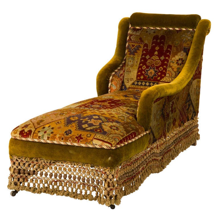 Antique velvet chaise longue at 1stdibs for Antique style chaise lounge