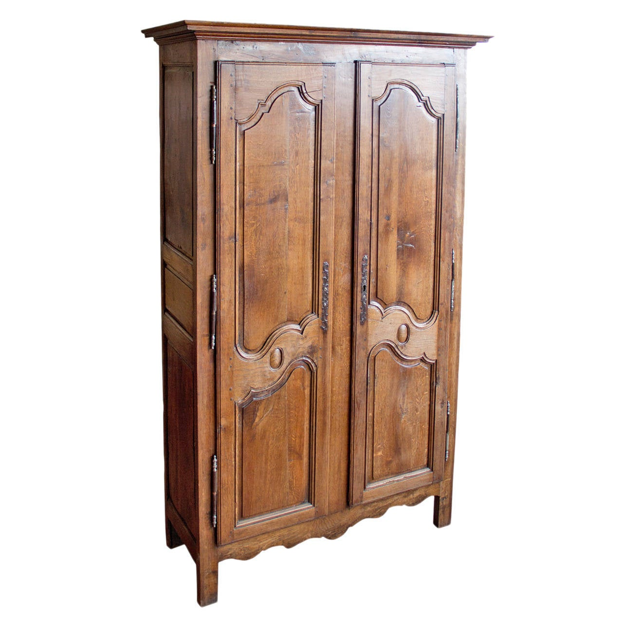 french louis xv oak armoire at 1stdibs. Black Bedroom Furniture Sets. Home Design Ideas