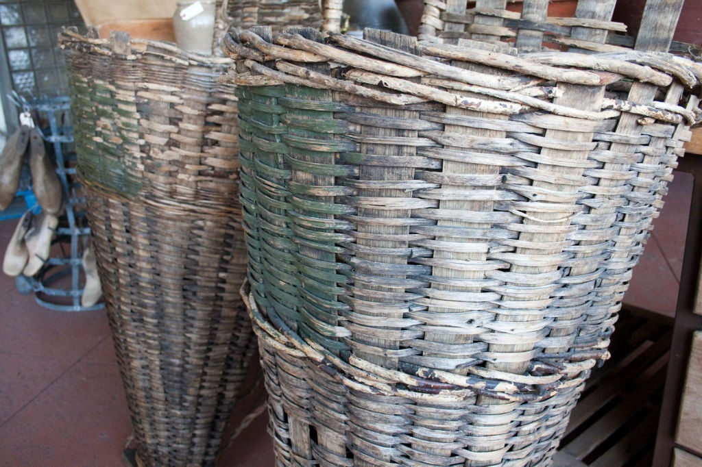 Pair of  Wicker & Cleft Oak Grape Harvest Hottes 4