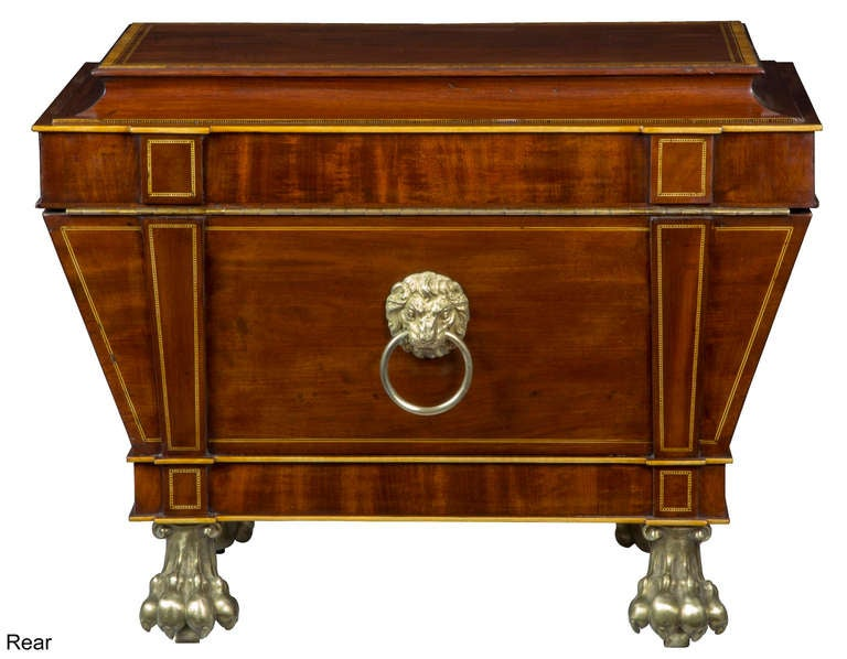 Magnificent Regency Mahogany Cellaret For Sale 3