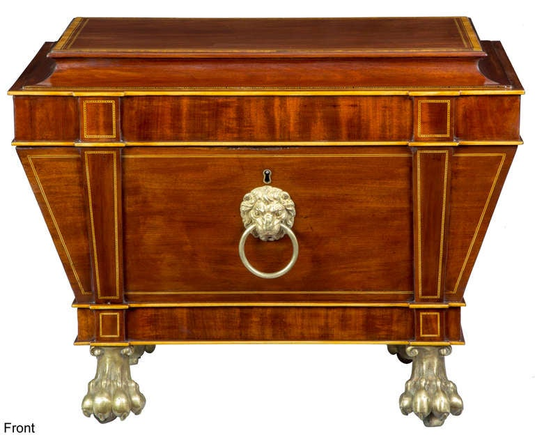 Magnificent Regency Mahogany Cellaret For Sale 2