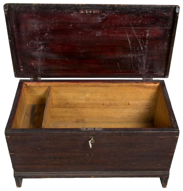 Diminutive Blanket Chest, Mid-19th Century 4