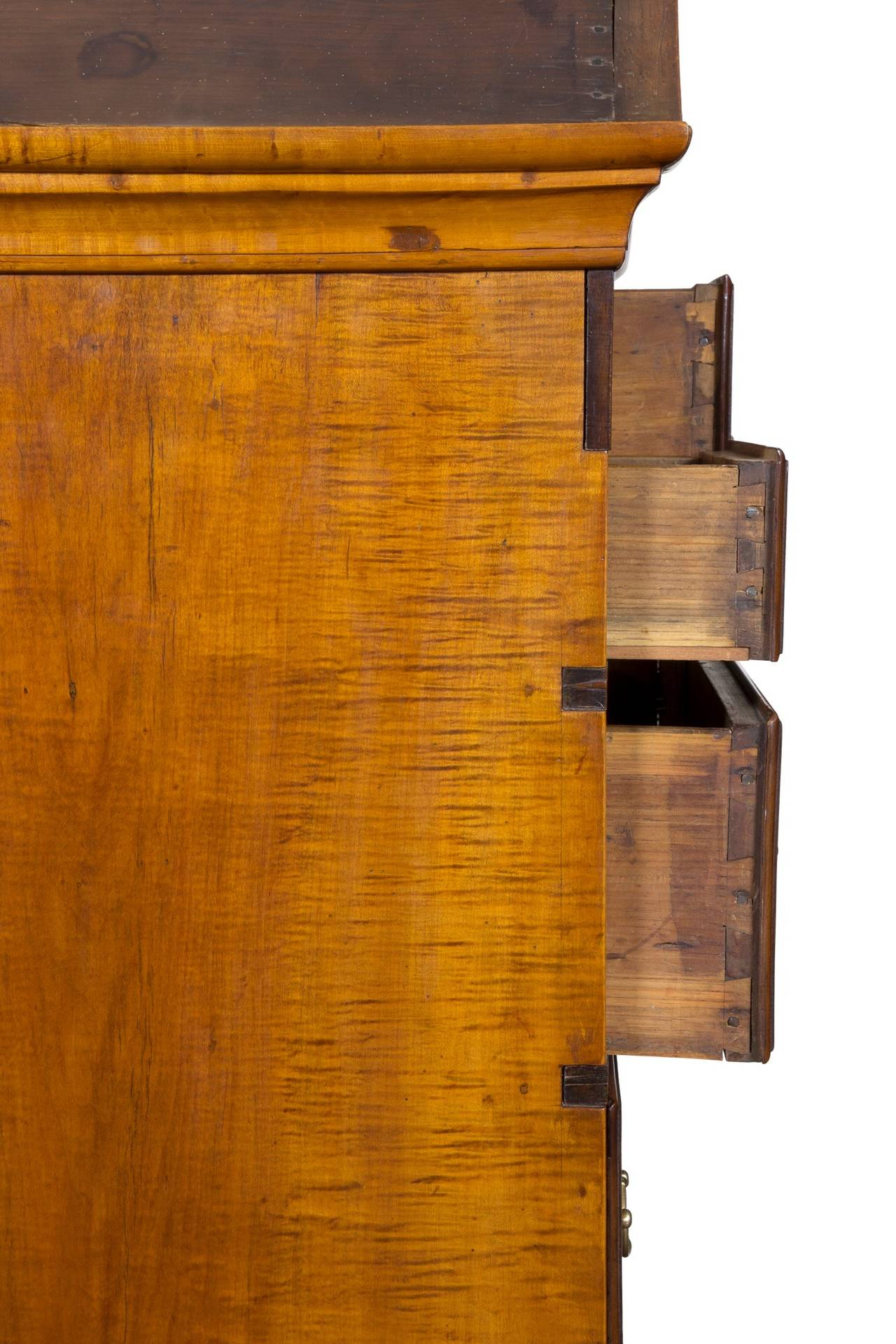 18th Century Tiger Maple Queen Anne High Chest with Bonnet Top, Massachusetts For Sale