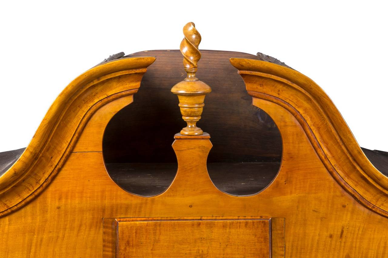 Tiger Maple Queen Anne High Chest with Bonnet Top, Massachusetts For Sale 2
