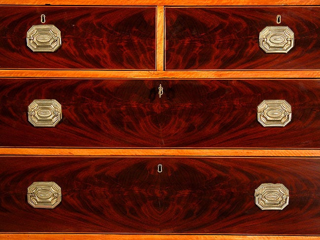 Inlaid Mahogany and Satinwood Hepplewhite Linen Press In Excellent Condition For Sale In Providence, RI