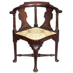 Mahogany Queen Anne Corner Chair with Horseshoe Seat Boston, circa 1770