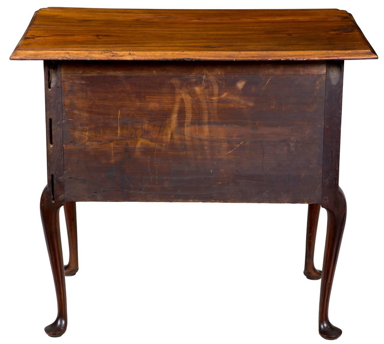 Highly Figured Walnut Queen Anne Dressing Table Or Lowboy, MA Or RI, Circa  1760