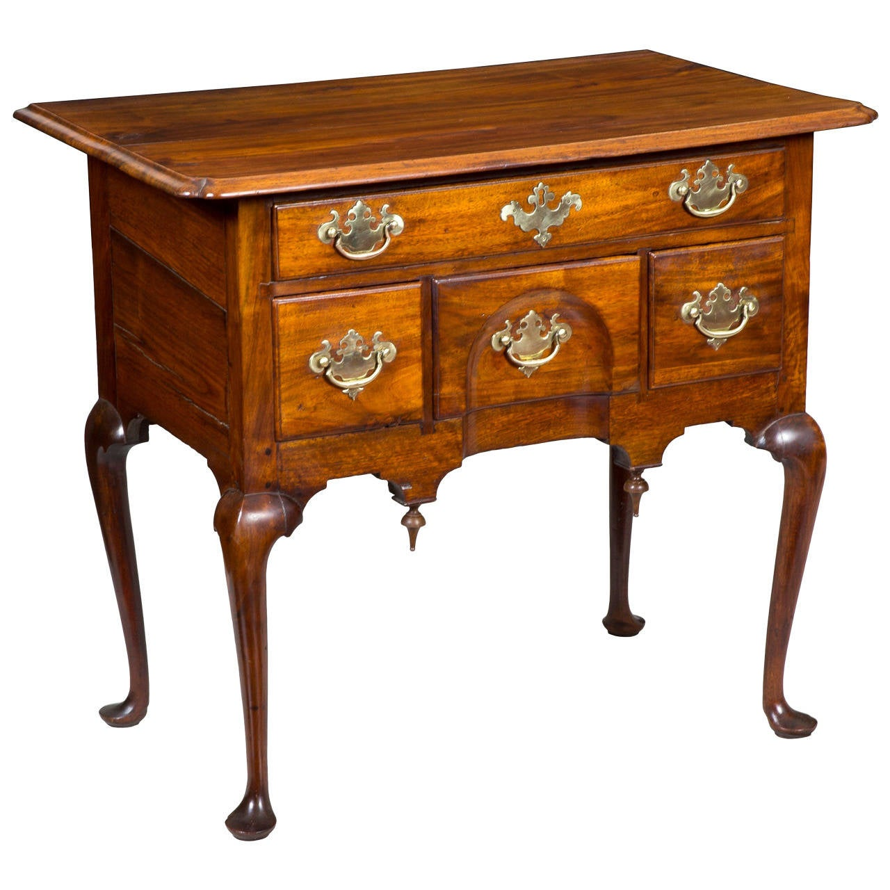 Highly Figured Walnut Queen Anne Dressing Table Or Lowboy, MA Or RI, Circa  1760