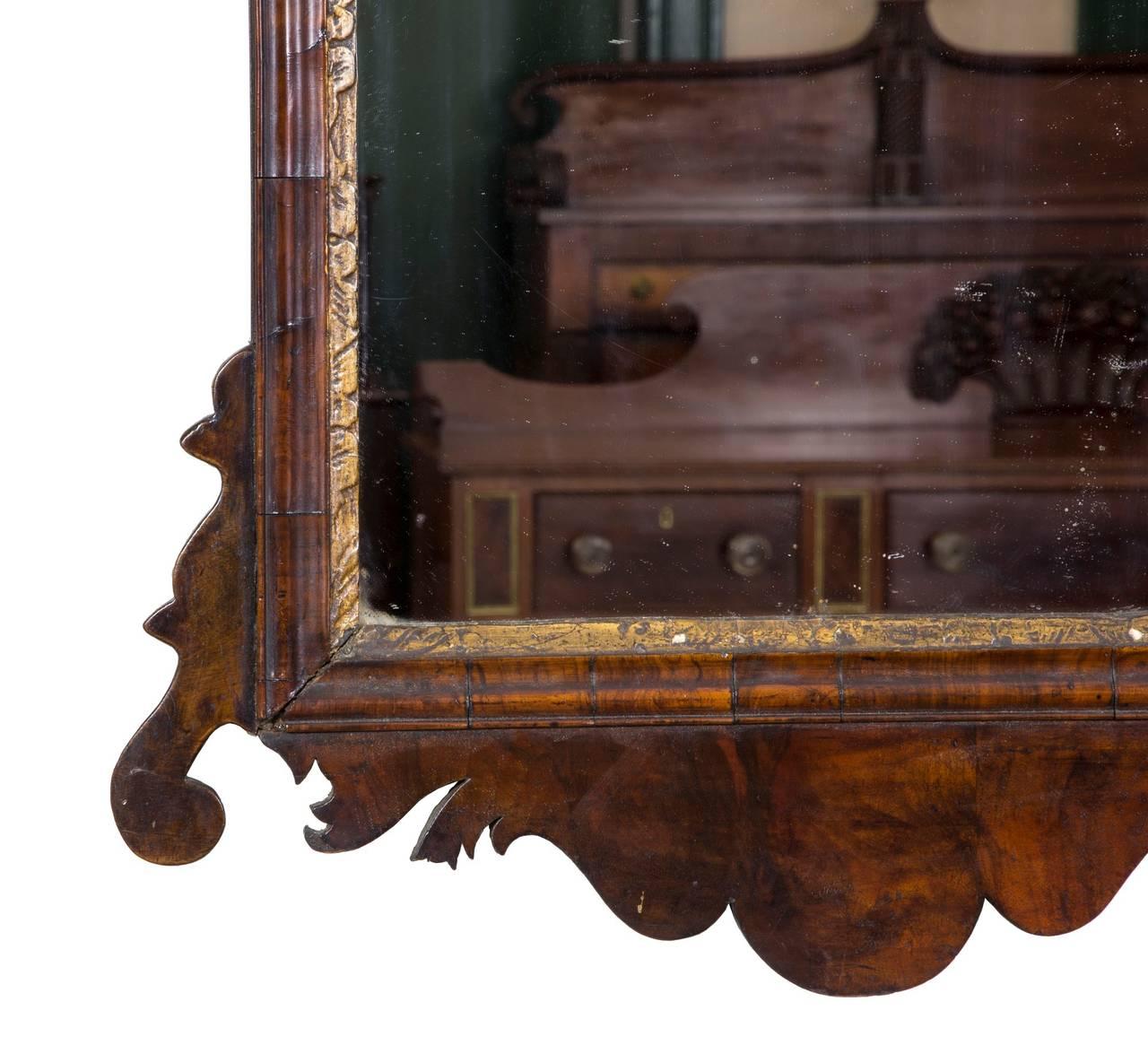 English Fine Queen Anne Walnut Mirror, England, circa 1720 For Sale