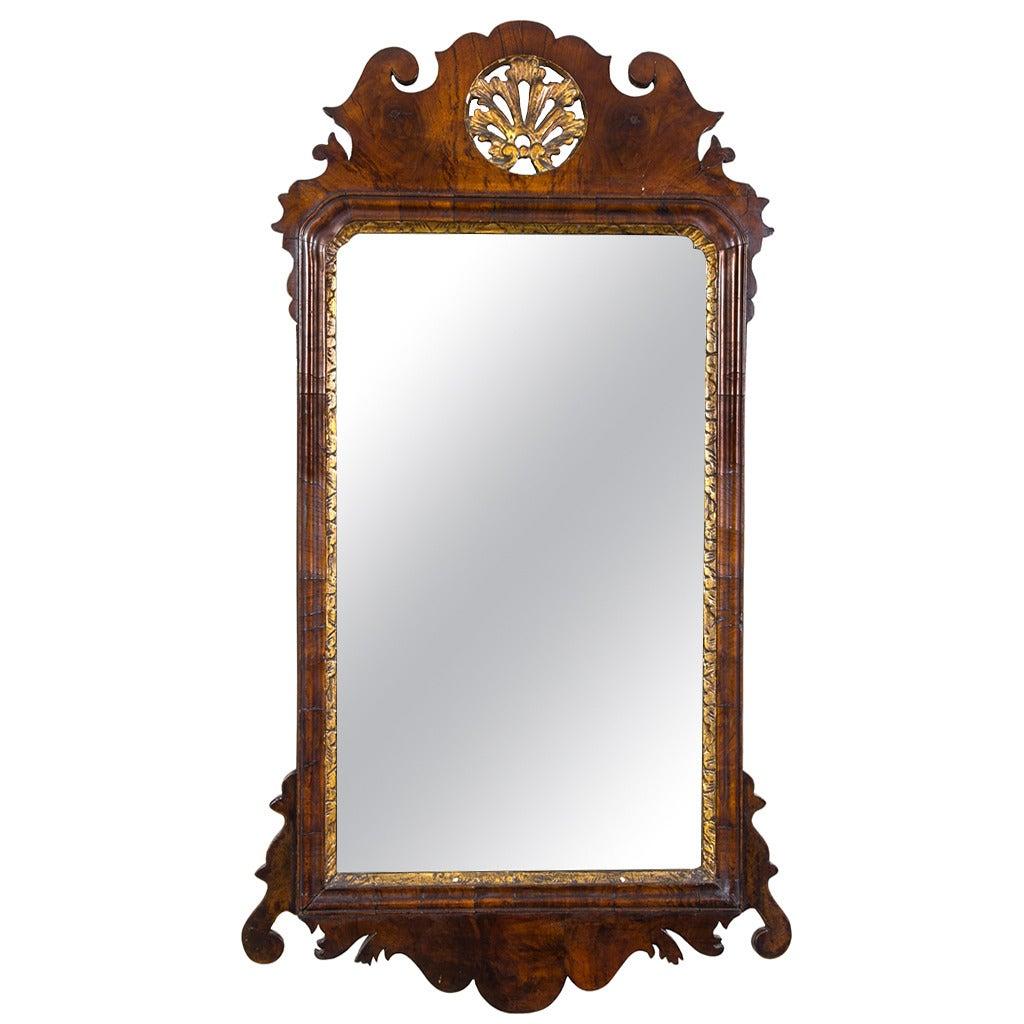 Fine Queen Anne Walnut Mirror, England, circa 1720 For Sale