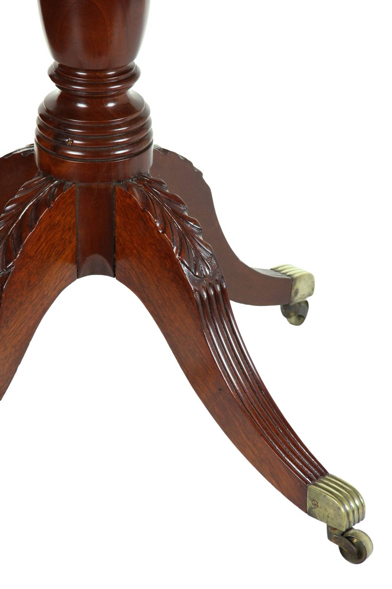 Early 19th Century Classical Tilt-Top Candlestand with Four Legs, Phyfe School, New York For Sale