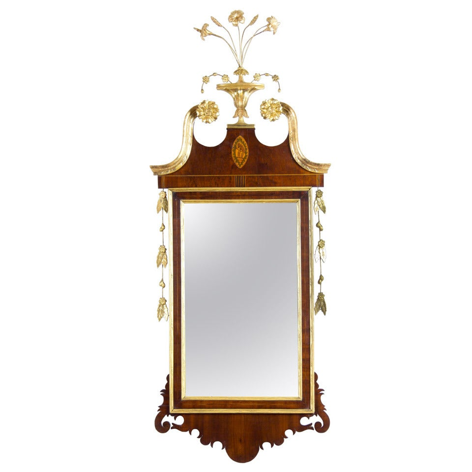 Fine Mahogany And Giltwood Federal Or Hepplewhite Mirror