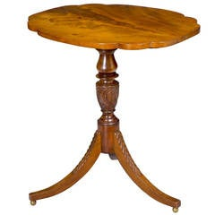 Classical or Federal Mahogany Tilt-Top Table, New York, circa 1800-1810