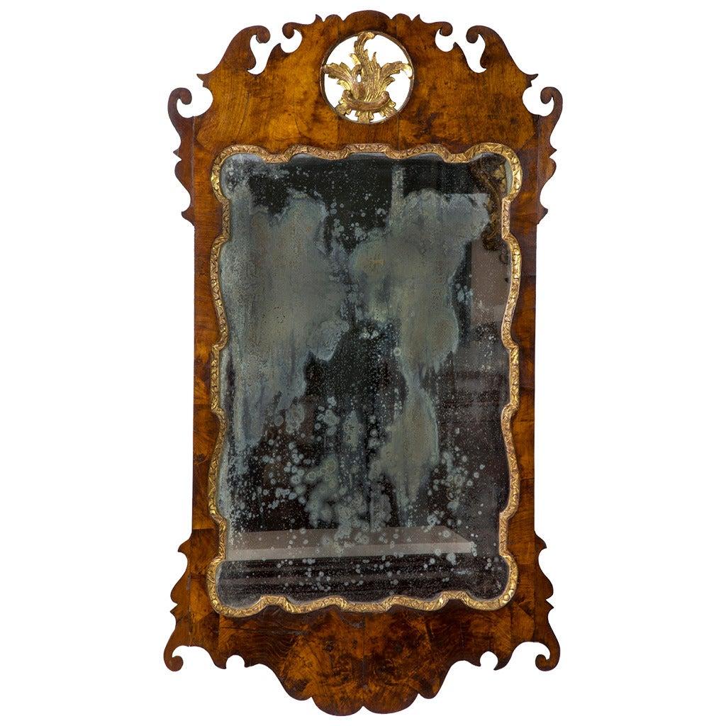 Fine Queen Anne Walnut Parcel-Gilt Mirror, Philadelphia, circa 1760