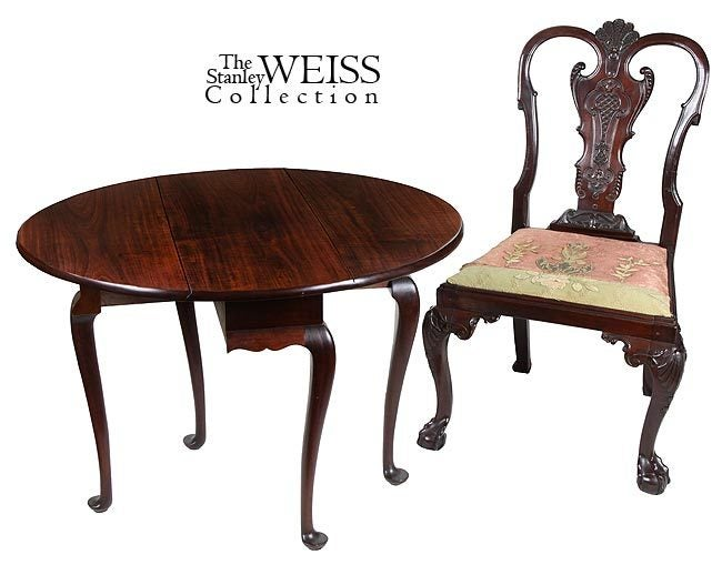 Queen Anne Style Diminutive Mahogany DropLeaf Table For Sale at
