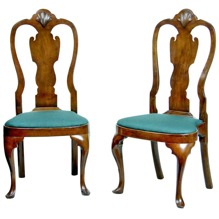 Pair of walnut queen anne side chairs with shell for Todays furniture philadelphia