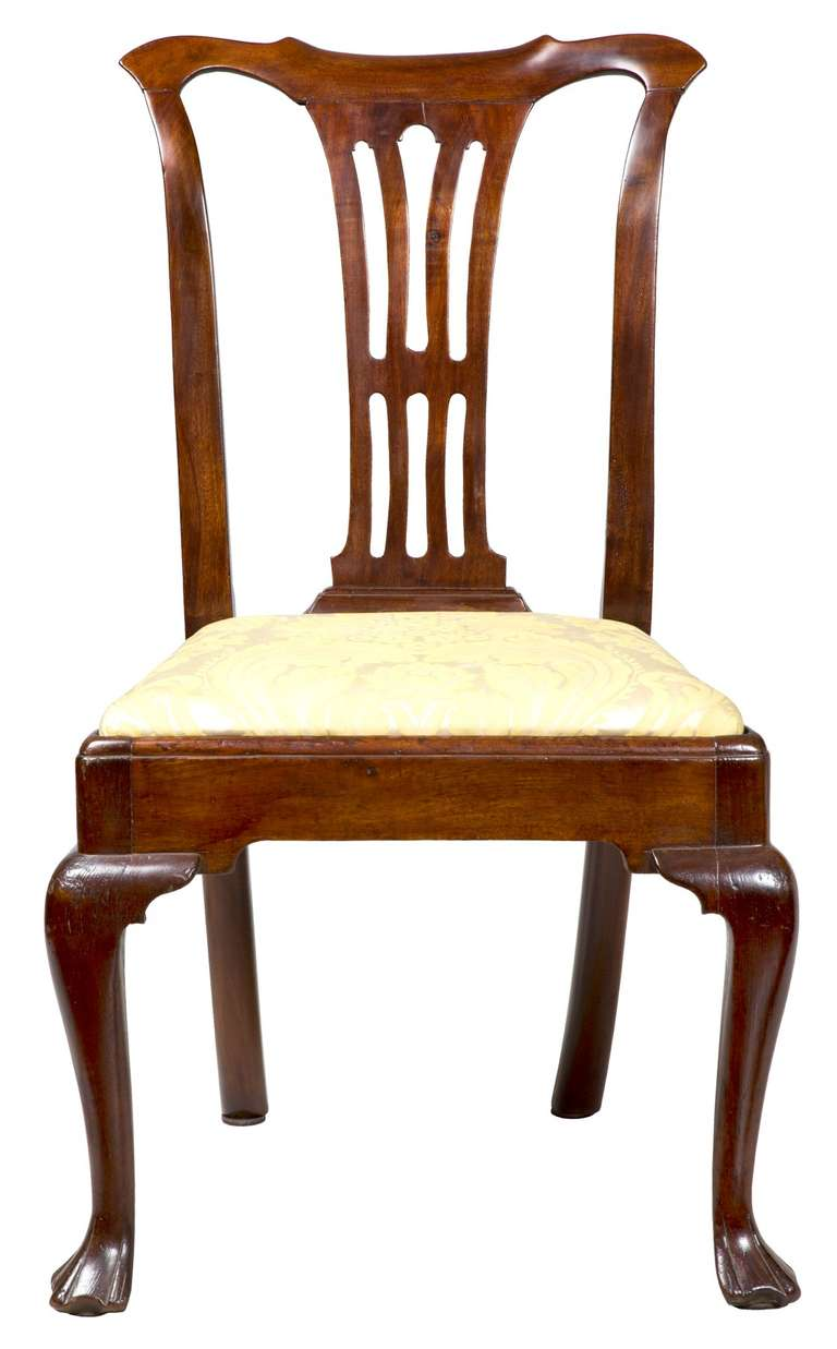 Set of four mahogany queen anne side chairs circa 1740 for Dining room chairs queen anne