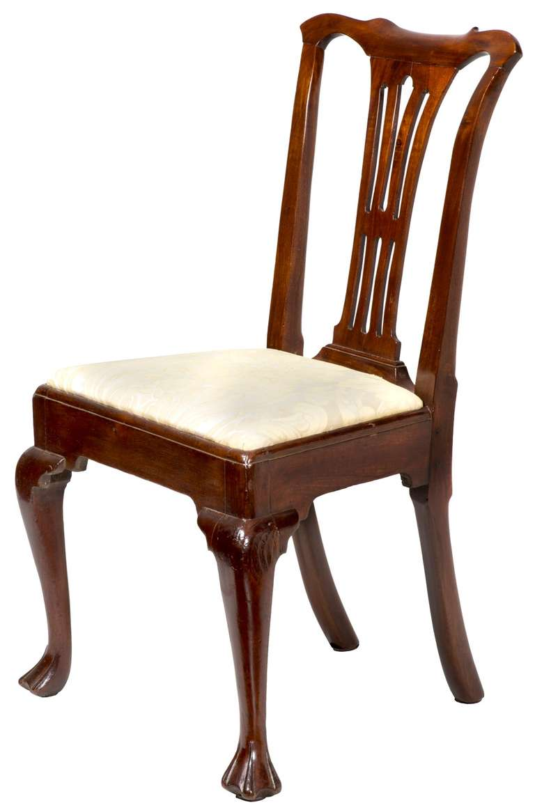 American Set of Four Mahogany Queen Anne Side Chairs, circa 1740-1760 For Sale