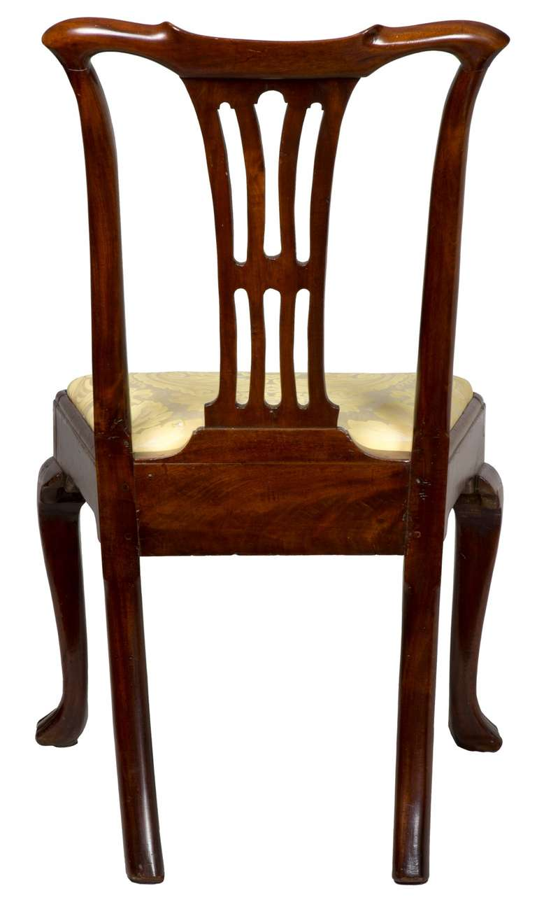 18th Century and Earlier Set of Four Mahogany Queen Anne Side Chairs, circa 1740-1760 For Sale