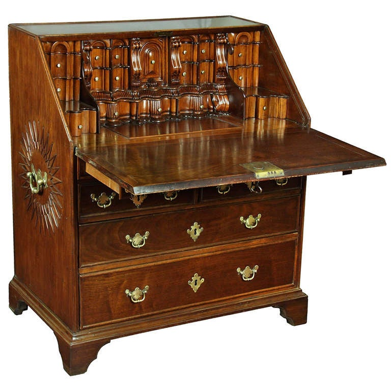 Important Queen Anne Desk, Early 18th Century, China or Pacific Rim For Sale - Important Queen Anne Desk, Early 18th Century, China Or Pacific