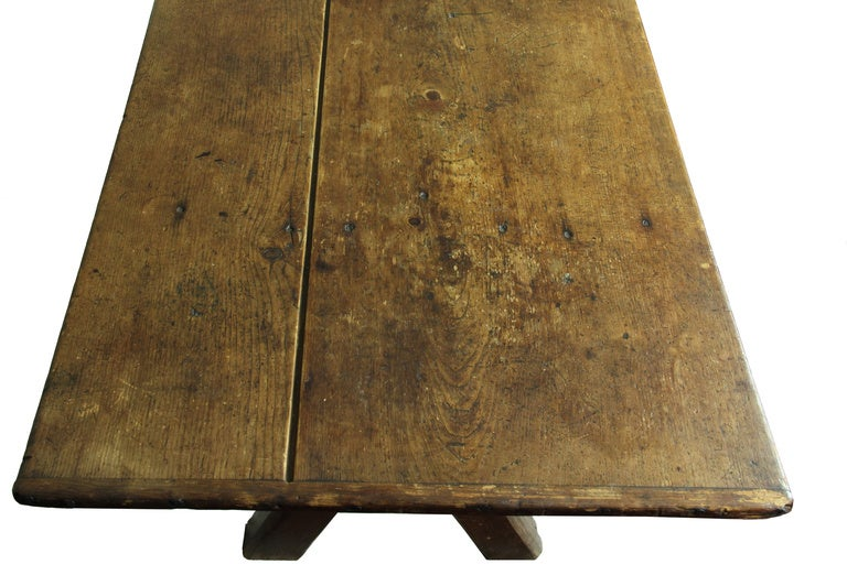 Rare Sawbuck Dining Table of Chestnut and Pine circa Early 18th Century image 4