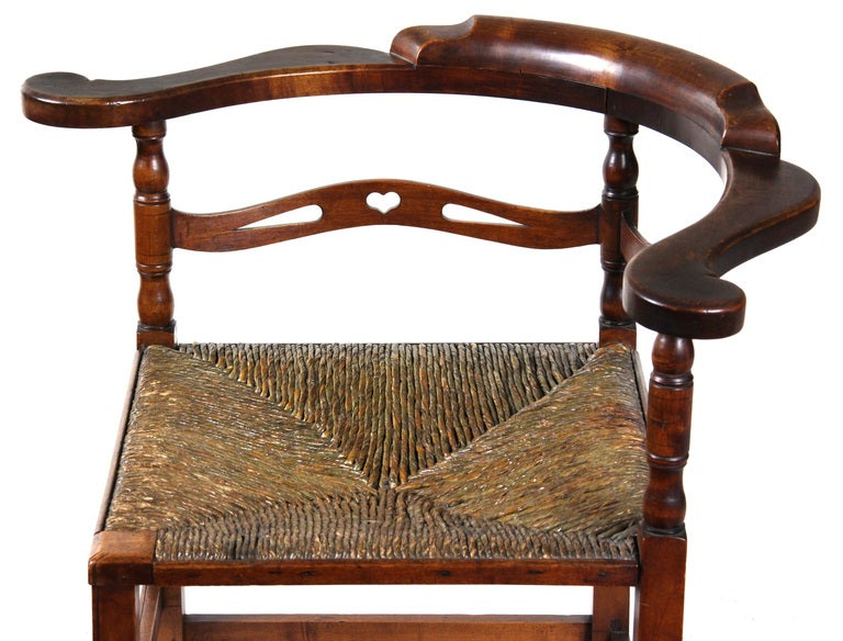 American Cherry Corner Chair, Probably New Hampshire, Late 18th Century For Sale