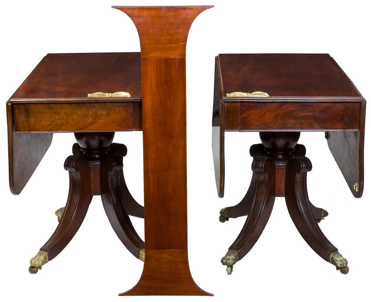 Fine classical mahogany pedestal dining room table boston for Mahogany dining room table