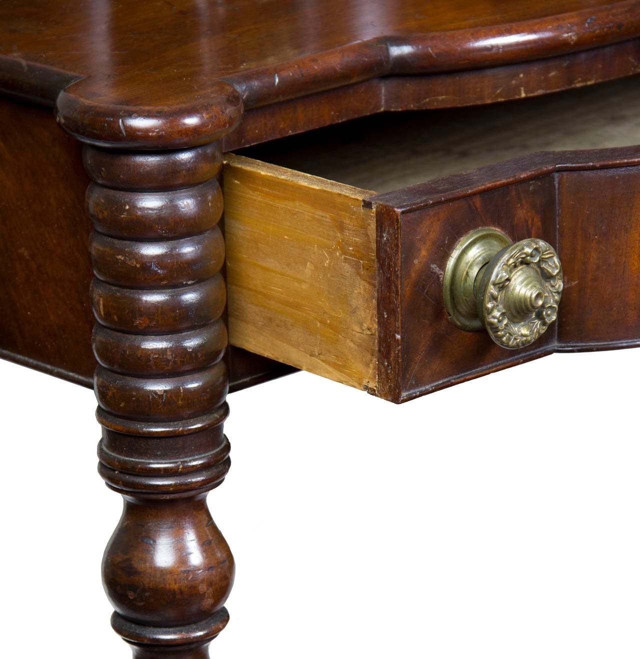 Early 19th Century Classical Mahogany Dressing Table with Dressing Box, Salem or Portsmouth For Sale