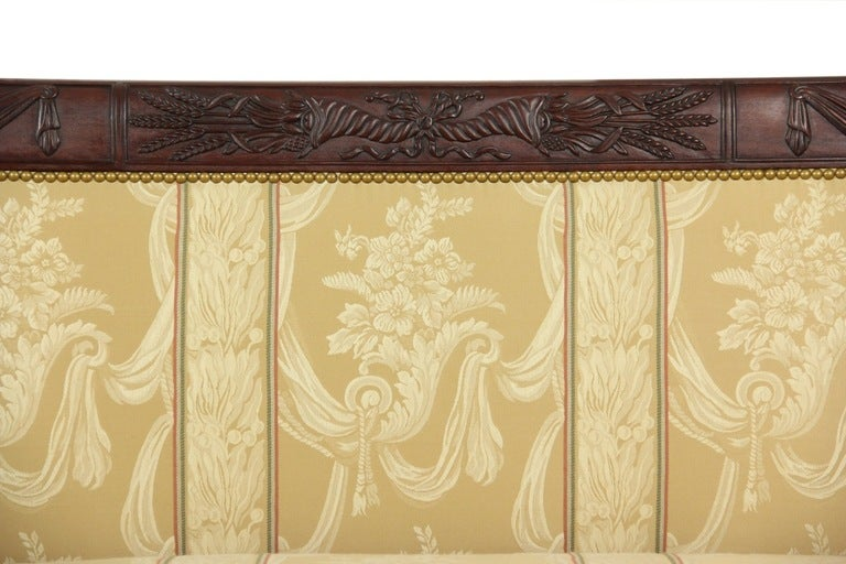 American Carved Mahogany Classical Sofa with Dolphins, circa 1810, New York For Sale